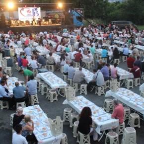 Над 2000 души се събраха на благотворителна религиозна вечеря /ифтар/ пред стадиона в Кърджали.