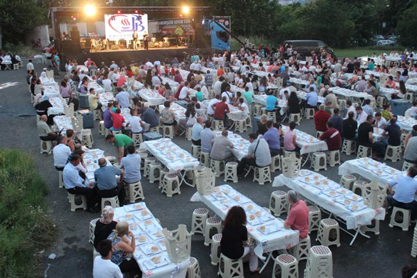 2 000 участваха в ифтар в Кърджали