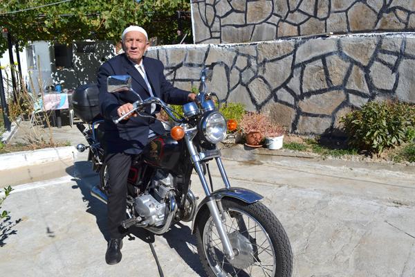 Имамин стана рокер по неволя