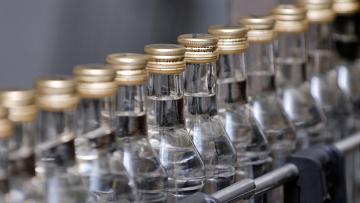 Конфискуваха 13 туби с контрабанден алкохол