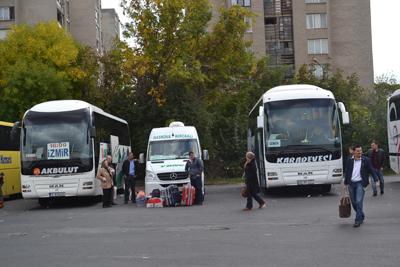 Полупразни автобуси от Турция пристигаха в Кърджали през изборния ден