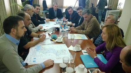 Високите нива на водата са станали причина за провеждането на извънредно заседание в понеделник 27 октомври, ръководено от заместни перфекта Димитриос Петрович